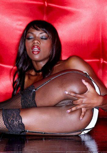 Ebony Babe in Lingerie